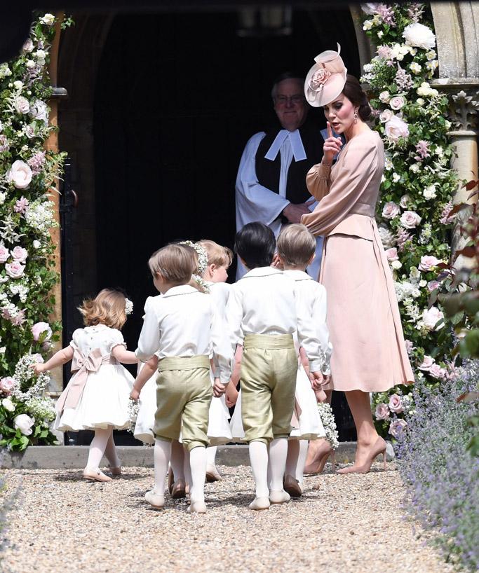 pippa middleton, kate middleton, wedding, james mattews pippa middleton, kate middleton, wedding, james mattews, wedding dress, Giles Deacon Couture