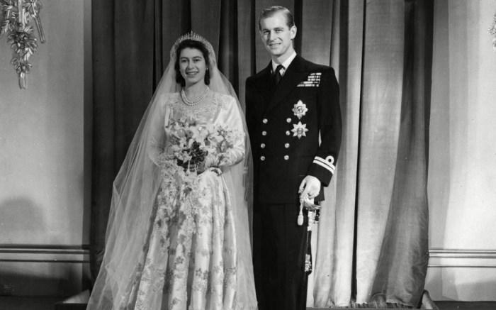queen-elizabeth-prince-philip-wedding-day-1947