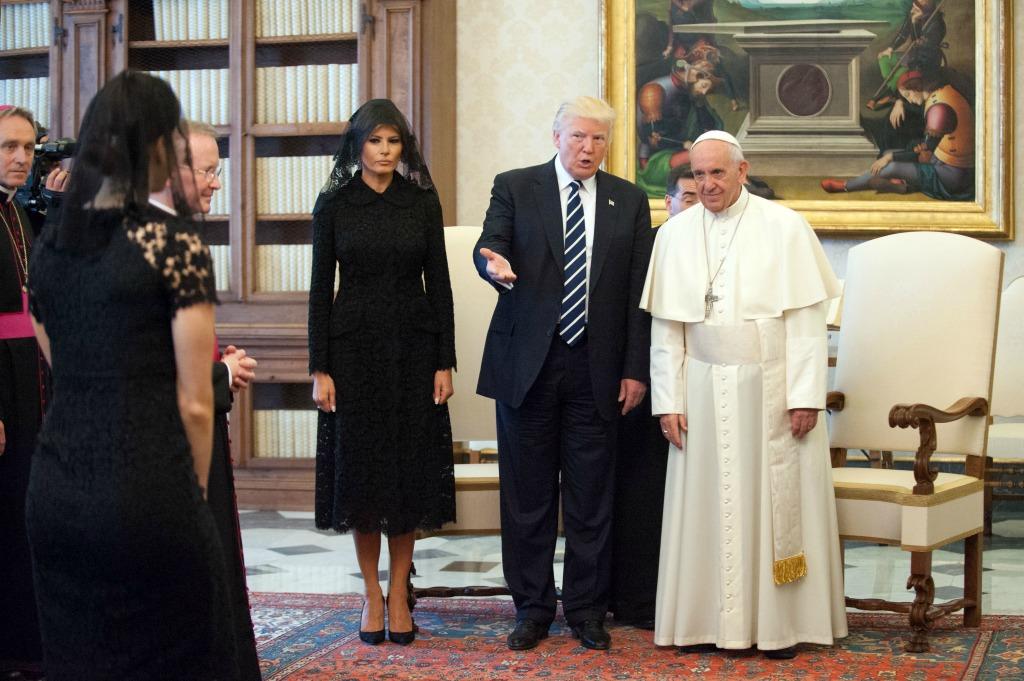 melania trump donald trump pope francis