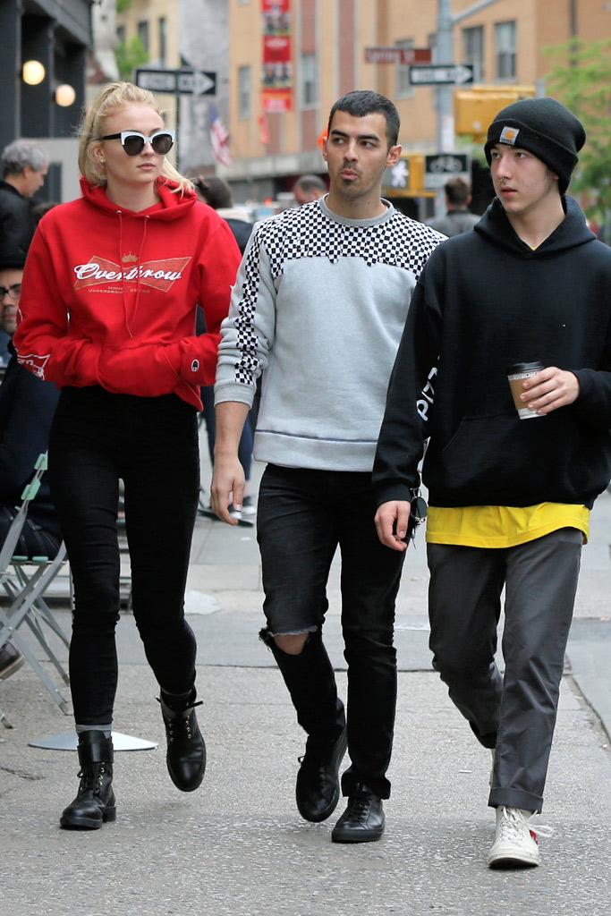 Sophie Turner Joe Jonas Photos