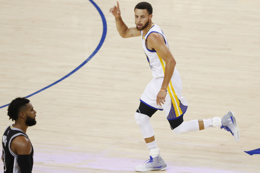 Stephen Curry Golden State Warriors Under Armour Curry 3Zer0