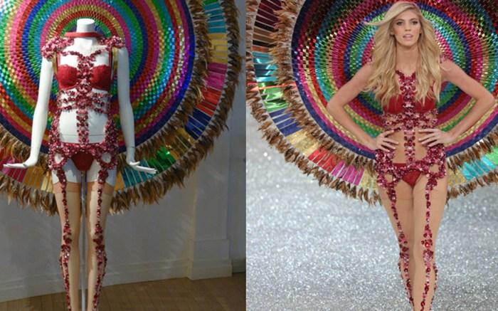 victorias-secret-angels-models-museum-lingerie-bra-costume-fashion-show-2017-paris