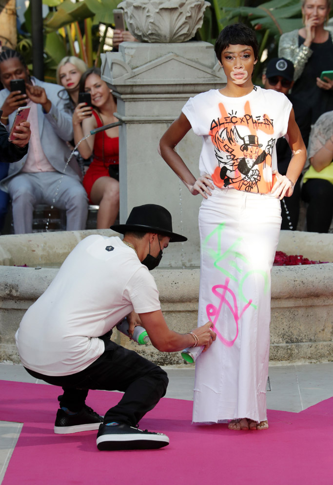 Supermodel, Winnie Harlow, Alec Monopoly, cannes film festival, Philipp Plein, resort 2018, cruise 2018, barefoot, bare feet, runway, catwalk, vitiligo