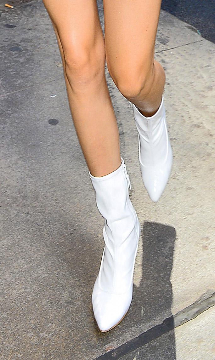 kendall jenner, no bra, white dress, boots, nyc