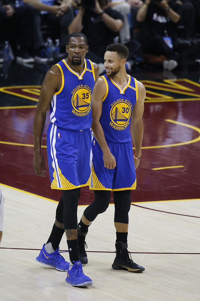 Kevin Durant Nike KD10 with Stephen Curry Under Armour Curry 4