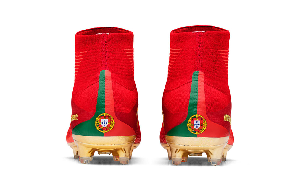 The CR7 Mercurial Campeões Nike boots for cristiano ronaldo feature a portugal's badge for his fifa soccer football tournament