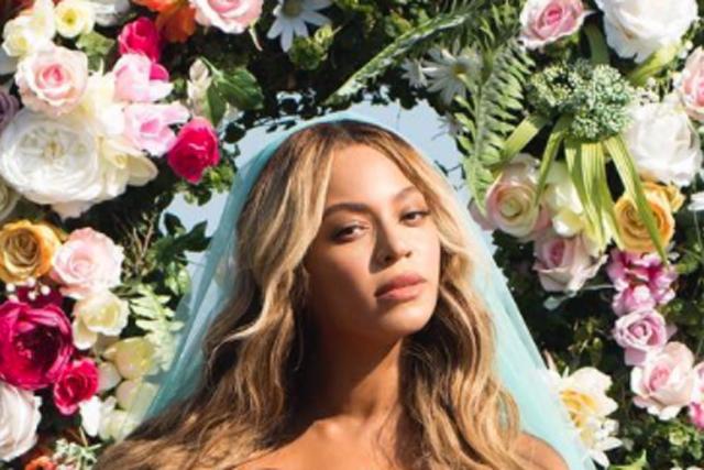 Beyoncé new photo twins