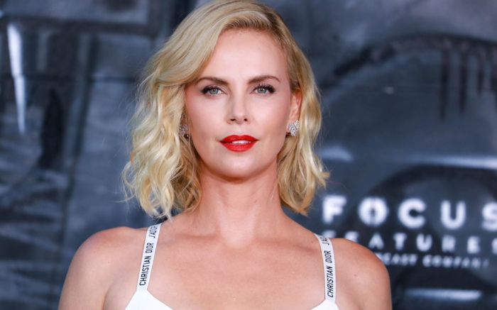 charlize theron style atomic blonde movie