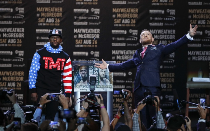 Floyd Mayweather (left) and Conor McGregor at the Staples Center in Los Angeles.