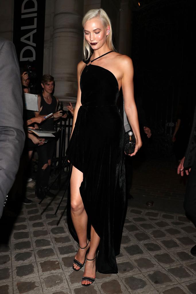 karlie kloss paris couture week