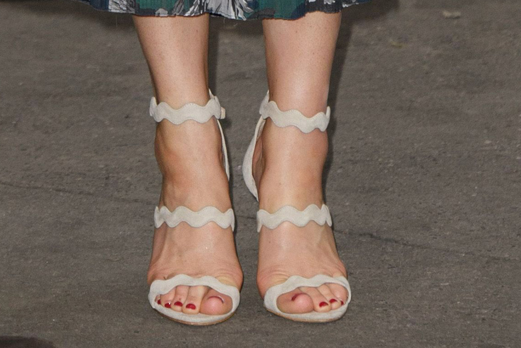 kate middleton markus lupfer dress prada sandals