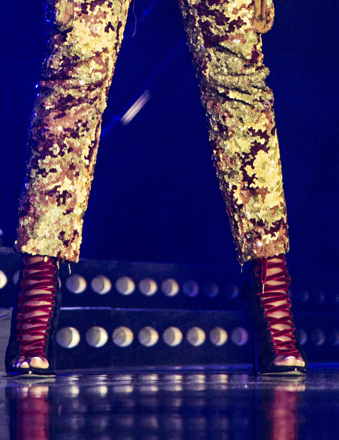 mary j blige, essence music festival, dsquared2, boots, fashion