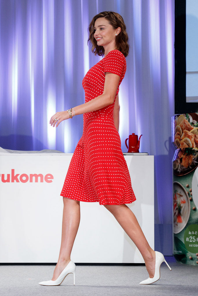 red dress white shoes Supermodel Miranda Kerr Wore Two Very Different Looks While in Japan –  Monticello News