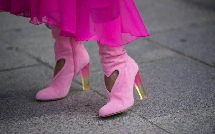 paris-haute-couture-fashion-week-street-style-Schiaparelli