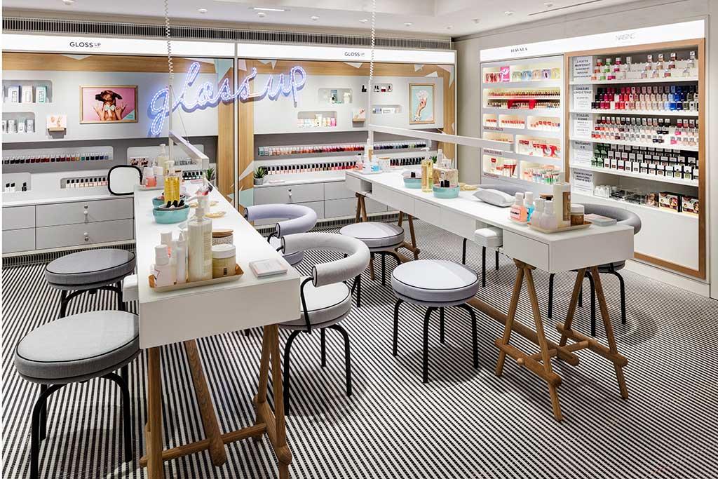 The Gloss UP beauty bar at Printemps.