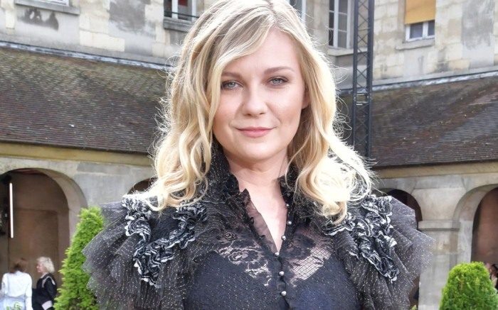 rodarte-paris-couture-fashion-week-04-kirsten-dunst-feature