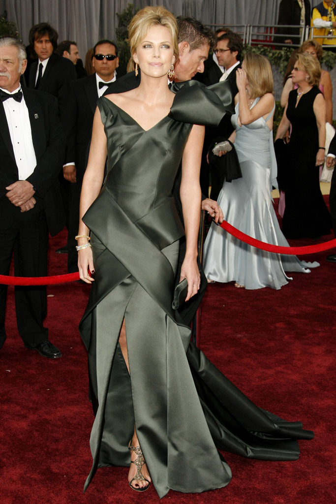Charlize Theron, Academy Awards, Gold sandals