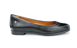 7 Hospitality Shoes