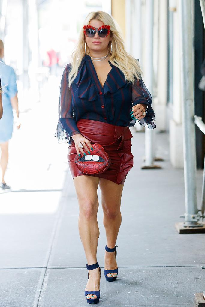Jessica Simpson, Dolce & Gabbana