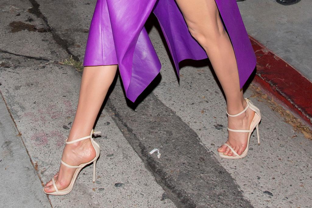 Karlie Kloss, feet, sandals, birthday