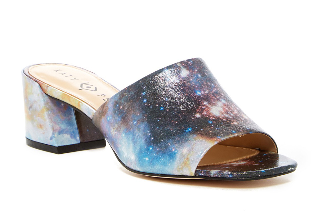 katy perry, galaxy sandals