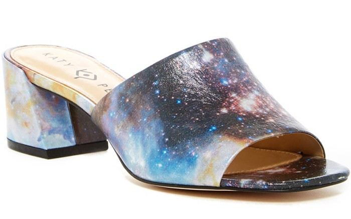 katy-perry-eclipse-sandals