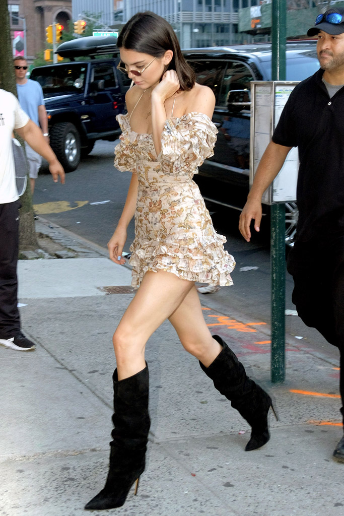 Kendall Jenner, slouch boots, NYC