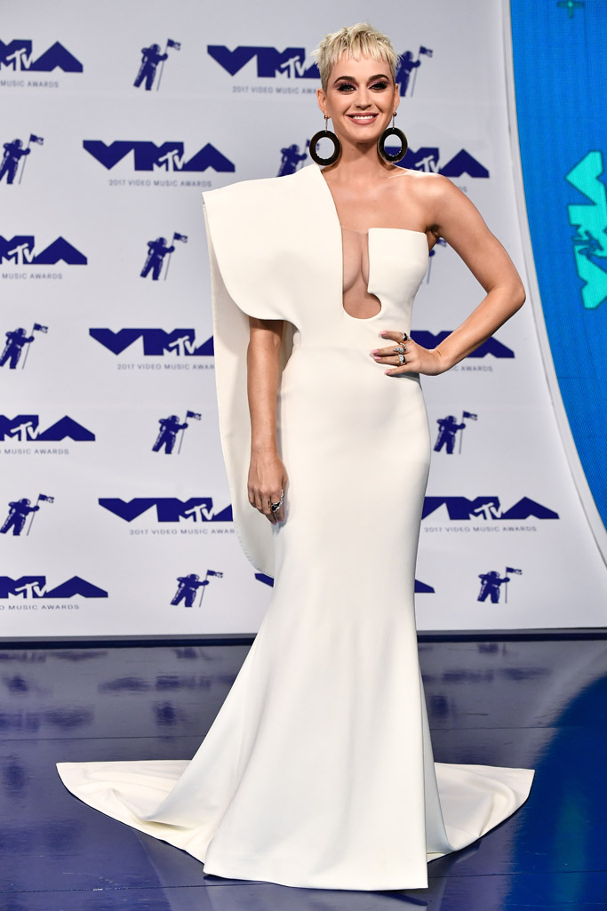 2017 mtv vma, red carpet, katy perry, Stephane Rolland, white dress