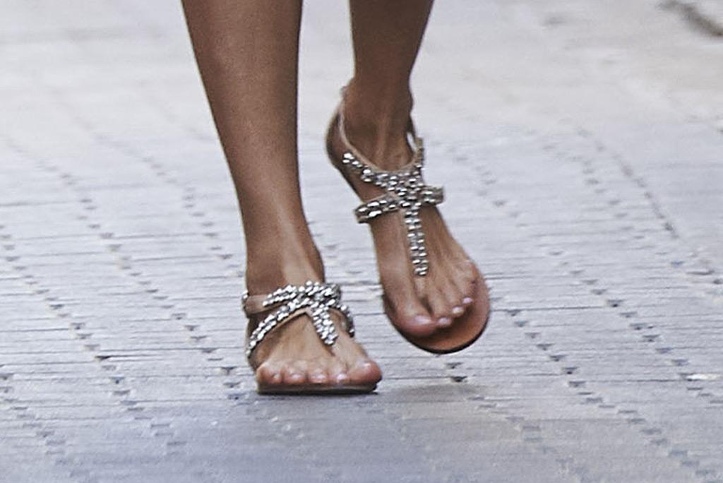 Queen Letizia, sandals