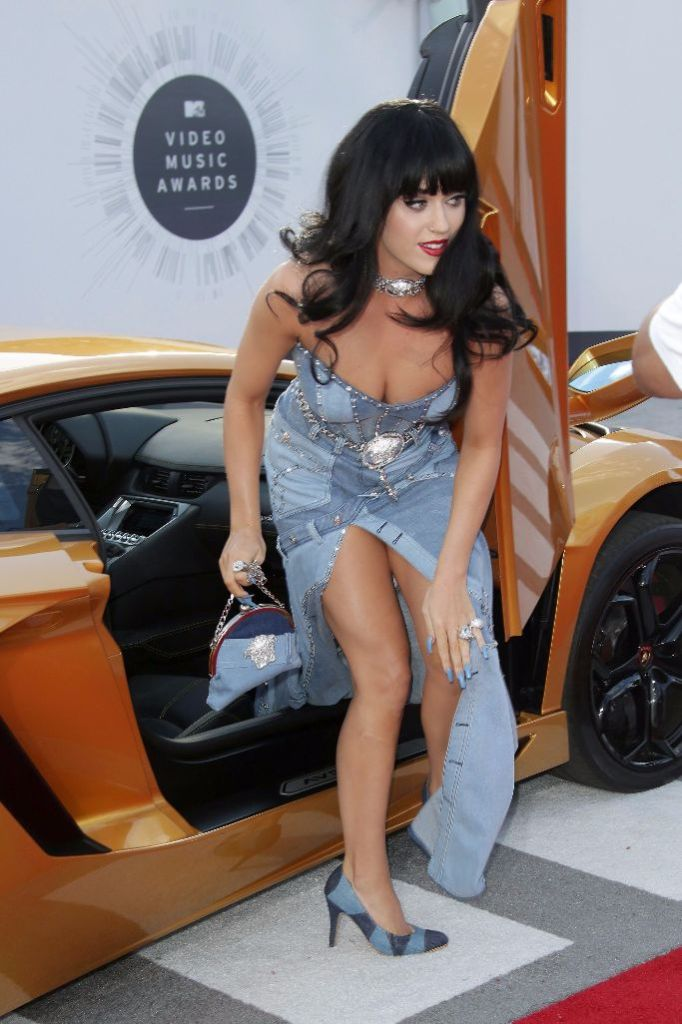 katy perry 2014 mtv vmas, katy perry vmas, katy perry red carpet style, katy perry versace