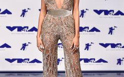 Star-Studded Sparkly Looks From the MTV VMAs Red Carpet