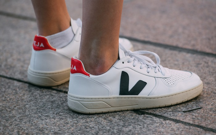 Sabio Creyente foso  Shop The Top Shoes of 2018: Veja V10 Sneakers & More – Footwear News