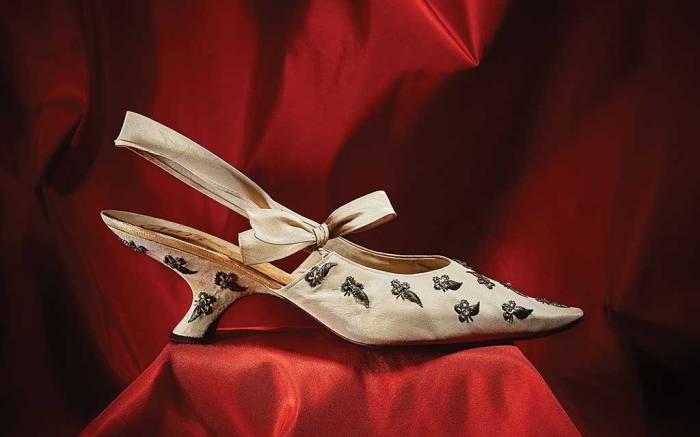 Dior 1962 style designed by Roger Vivier