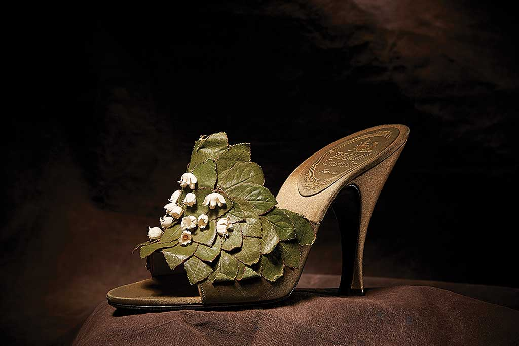 Dior 1955 style designed by Roger Vivier