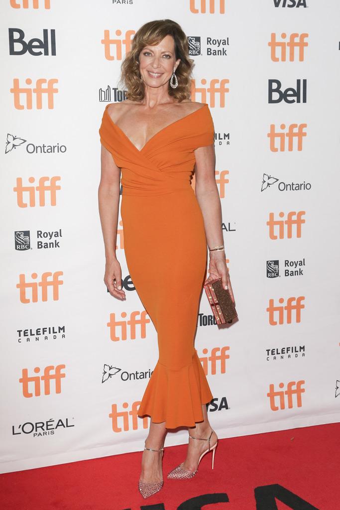 Allison Janney, dress, heels