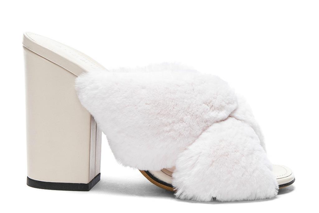 ALUMNAE Soft X Slide Rabbit Fur Block Heels