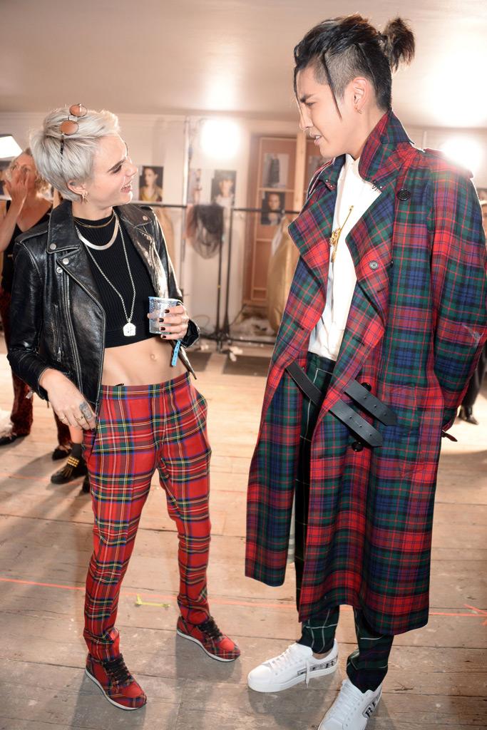cara delevingne, burberry spring 2018, london fashion week