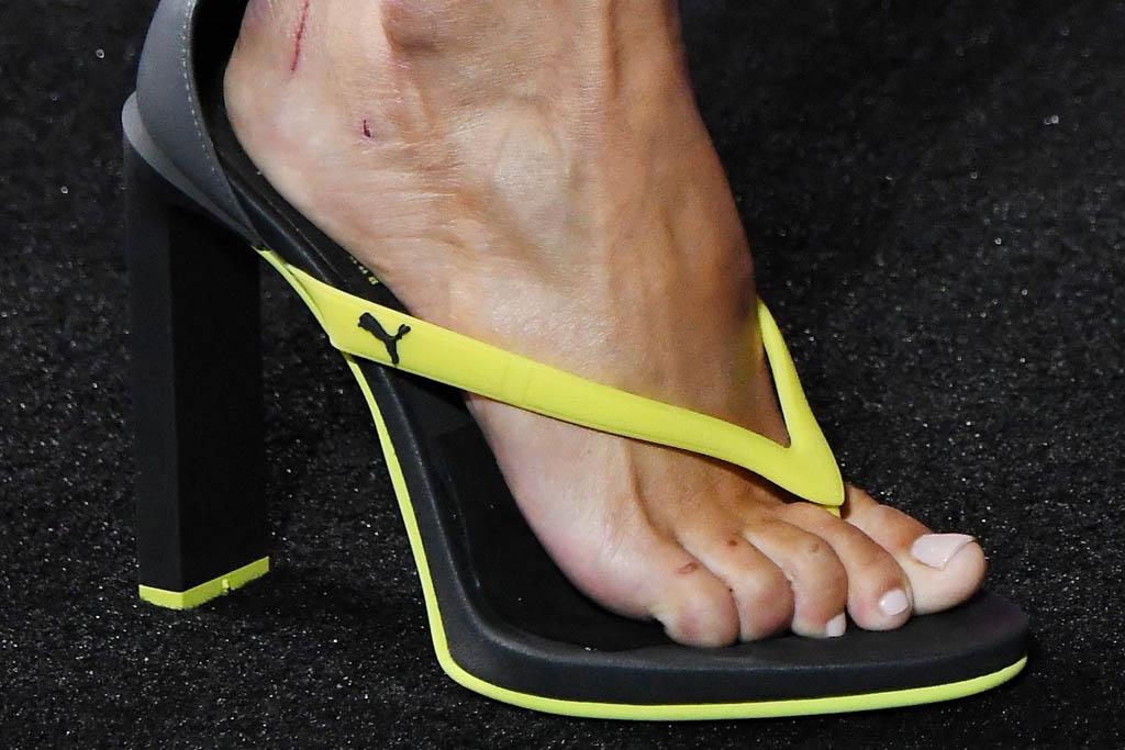 rihanna puma flip flops