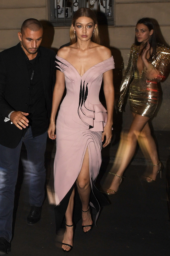 Gigi Hadid, Versace