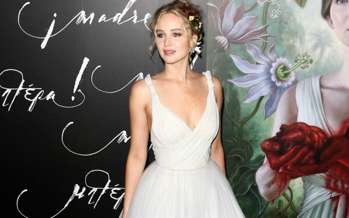 """Jennifer Lawrence at the premiere of """"Mother!"""" in New York"""