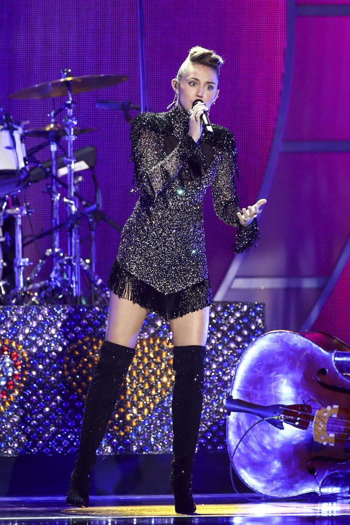 Miley Cyrus, iHeart Radio