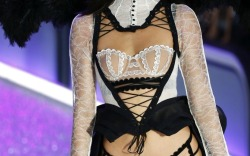 Kendall Jenner's Most Iconic Victoria's Secret Fashion Show Moments