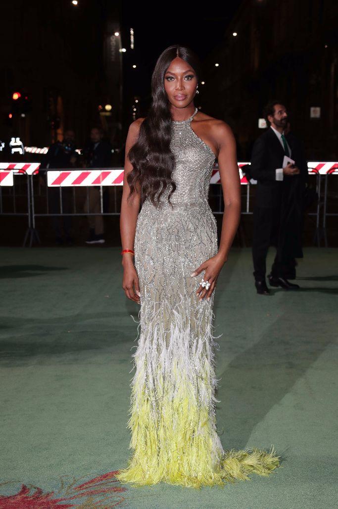 naomi campbell, green carpet fashion awards, milan fashion week