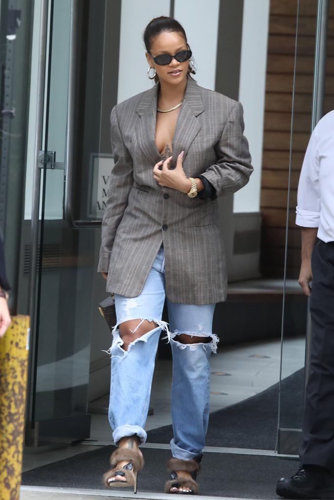 Rihanna, fur sandals