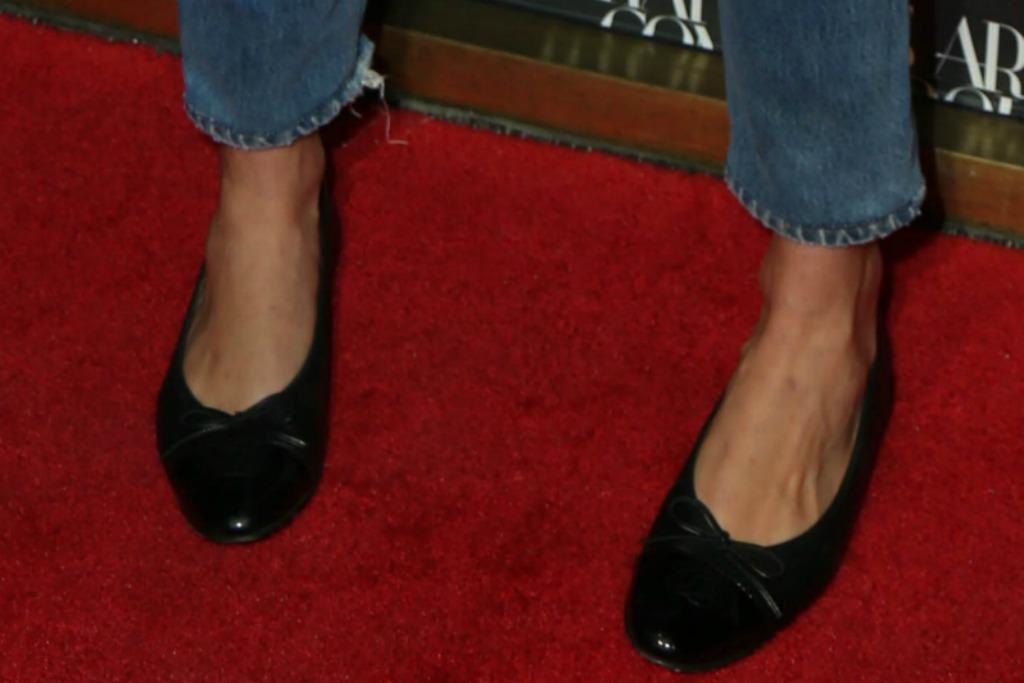 karlie kloss wearing chanel ballet flats