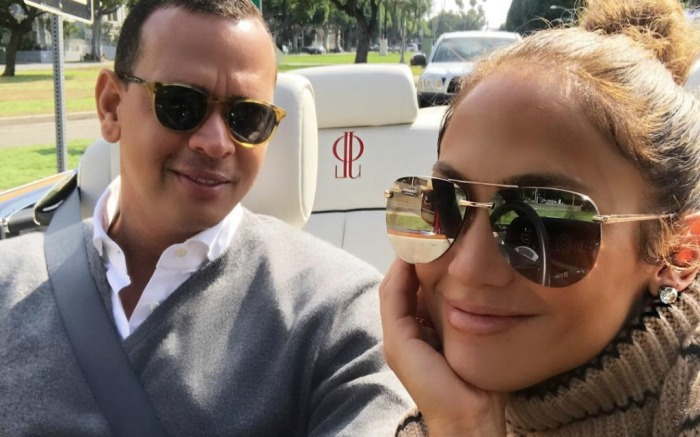 Jennifer Lopez and Alex Rodriguez share a cute photo on Instagram.