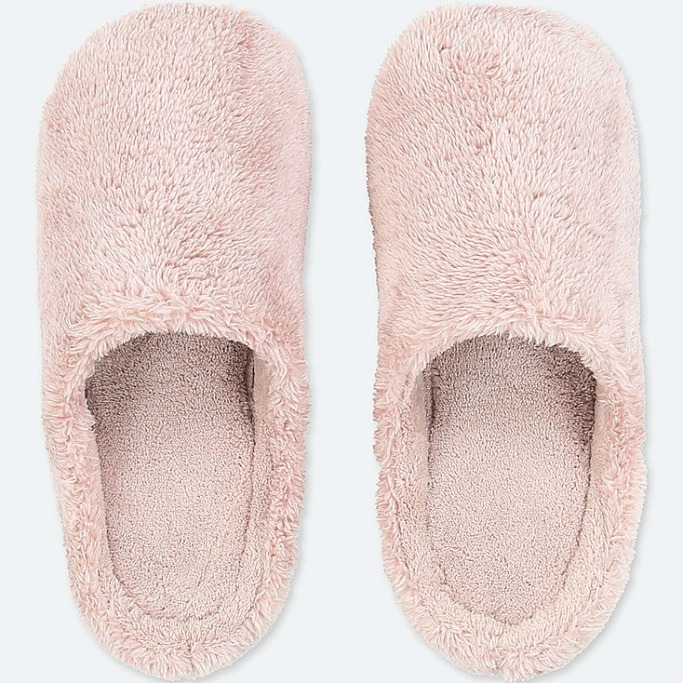 uniqlo pink slippers