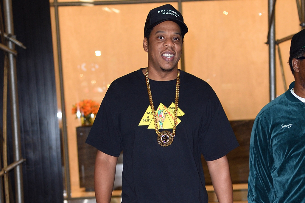 Jay Z Wears Supreme X Nike Sneakers For Date Night With Beyonce Footwear News