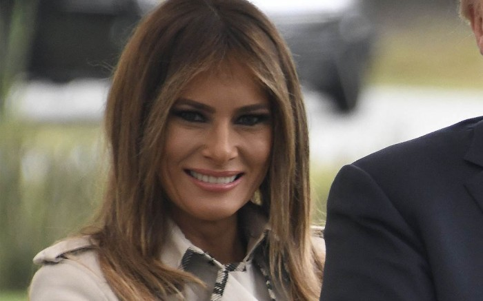 melania trump burberry trench coat