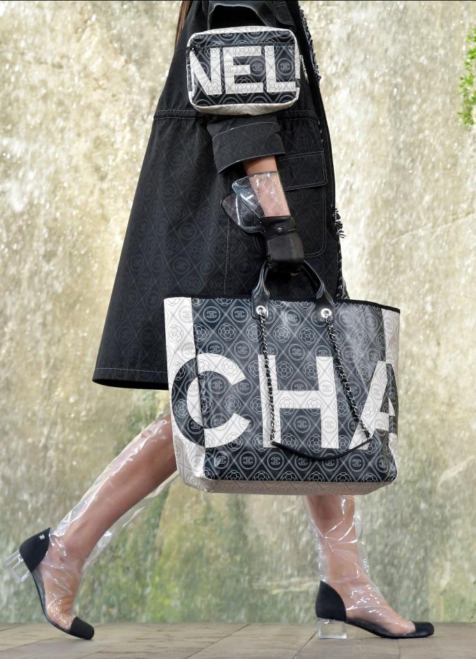 chanel ready to wear spring 2018, paris fashion week